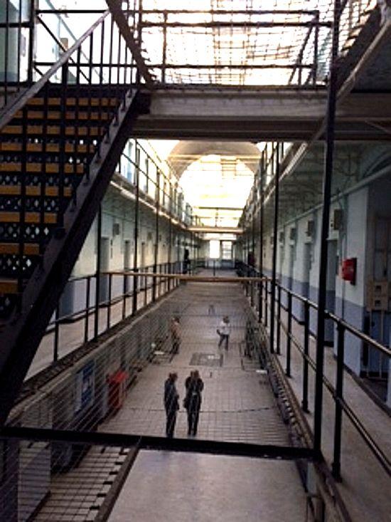 SM Prison 3